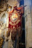 安特卫普,比利时- 2011年6月19日:我们的夫人大教堂的内部  免版税库存图片