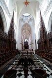 安特卫普,比利时- 2011年6月19日:我们的夫人大教堂的内部  图库摄影