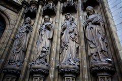 安特卫普,比利时- 2011年6月19日:我们的夫人大教堂门道入口  免版税库存图片