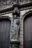 安特卫普,比利时- 2011年6月19日:我们的夫人大教堂门道入口  图库摄影