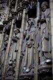 安特卫普,比利时- 2011年6月19日:我们的夫人大教堂门道入口  库存图片