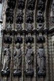 安特卫普,比利时- 2011年6月19日:我们的夫人大教堂门道入口  免版税库存照片
