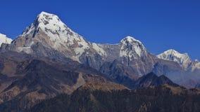 安纳布尔纳峰南部和Hiun Chuli,从Mohare Danda的看法 库存图片