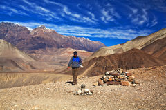 安纳布尔纳峰电路艰苦跋涉,尼泊尔 库存照片