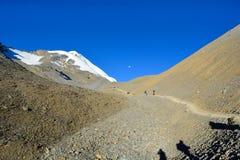 安纳布尔纳峰电路艰苦跋涉, Manang -安纳布尔纳峰地区,尼泊尔 免版税库存照片
