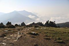 安纳布尔纳峰范围的看法从Poon小山的在日出, Ghorepani/Ghandruk,尼泊尔 免版税库存图片