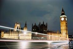 安置伦敦晚上议会 库存图片