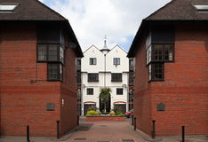 安置伦敦现代露台的英国 免版税库存图片