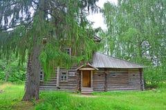 安置农村的小酒馆(19世纪的初期)在Vasilyovo的庄园在Torzhok区 库存照片