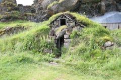 安置冰岛传统草皮 库存图片