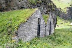安置冰岛传统草皮 免版税库存图片