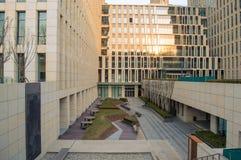 安置高层建筑物地下室 免版税图库摄影