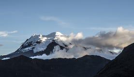 安蒂萨纳火山火山 国家公园卡扬贝火山古柯厄瓜多尔 免版税库存照片
