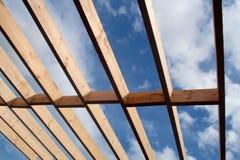 安装托梁屋顶 免版税图库摄影