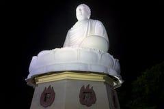 安装的菩萨的一个巨型雕塑 nha trang越南 库存照片