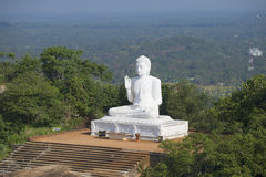 安装的菩萨的雕塑 Mihintale,斯里兰卡 库存照片