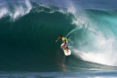 安迪背后夏威夷电烙冲浪者冲浪 免版税库存图片
