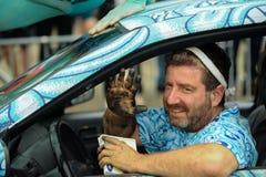 安迪Golub和他的模型在第35次每年美人鱼游行前进在科尼岛 库存图片