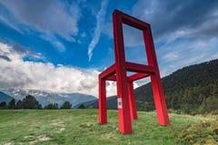 安道尔土地艺术巨人椅子 免版税库存照片