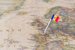 安道尔地图和旗子别针 免版税库存图片
