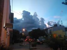安静的天空在村庄 免版税图库摄影
