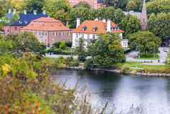 安静的斯堪的纳维亚镇,规则生活 免版税库存照片