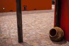 安静的砖庭院 免版税图库摄影