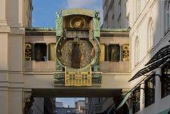 安高时钟在维也纳 免版税库存照片