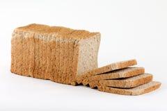 从完全地切的面包的Sideview敬酒的,被隔绝的o 免版税库存图片