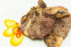 完全煮熟的牛肉可口炸肉排和 免版税图库摄影
