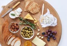 完善的乳酪盛肉盘 免版税库存照片