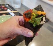 完善的五颜六色的寿司Handroll 图库摄影