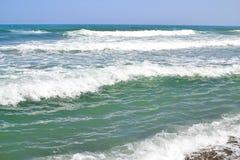 完善的地中海波浪 免版税库存照片