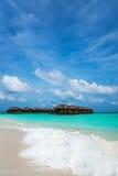 完善的热带海岛天堂海滩 免版税库存图片