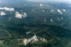 完成从董里府,泰国的森林山景城 免版税库存图片