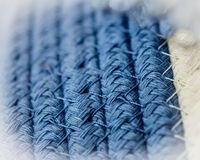 宏观摘要被编织的蓝色篮子 免版税库存照片