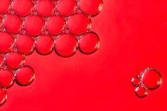 宏观泡影在水中 免版税库存图片