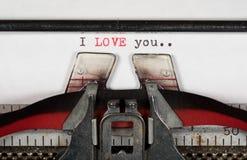 宏观细节我爱你在有丝带的电传打字机 库存图片