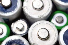 宏观老使用的电池r的纹理背景不同的类型 免版税库存照片