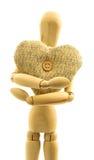 宏观观点的有被编织的羊毛心脏的木男性收养与 库存图片