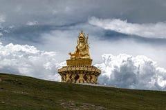 宗师Rimpoche雕象 免版税图库摄影