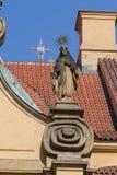 宗教雕象细节在Mala Strana区在布拉格在布拉格 免版税图库摄影