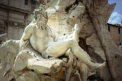 宙斯在Bernini& x27; 四条河s喷泉在纳沃纳广场 库存照片