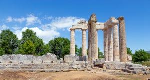 宙斯寺庙在古老Nemea,伯罗奔尼撒,希腊 免版税库存照片