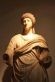 从宙斯寺庙的被雕刻的装饰品  库存图片