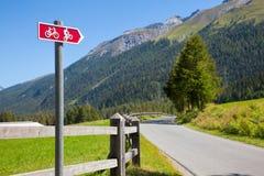 定向周期的路线签到瑞士 库存照片