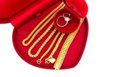 定婚戒指和金首饰 库存照片