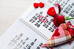 定婚戒指,心脏,日历,礼物2月14日, Valent的一件 免版税库存图片