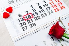 定婚戒指,心脏,日历, 2月14日 库存照片