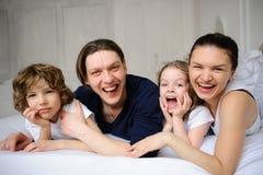 宜人的家庭早晨 库存图片